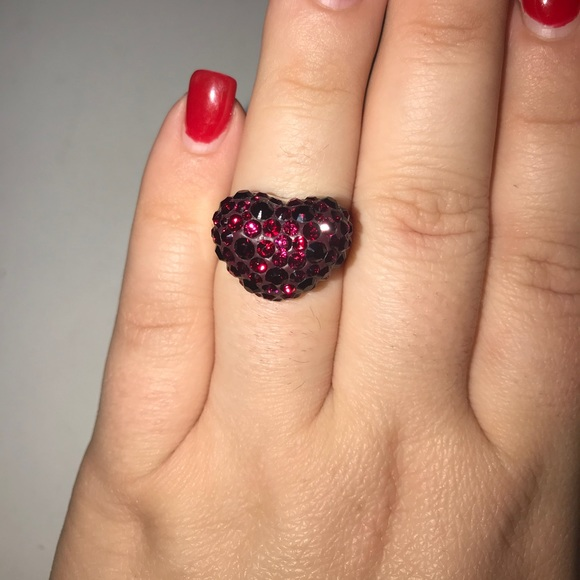 6b714b388 SWAROVSKI Brand Crystal Heart Shaped ring size 9. M_5a44852c50687c8f060c0d42